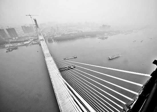 武汉二七长江大桥合龙